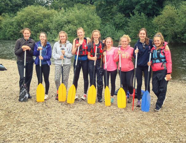 canoe-group-photo